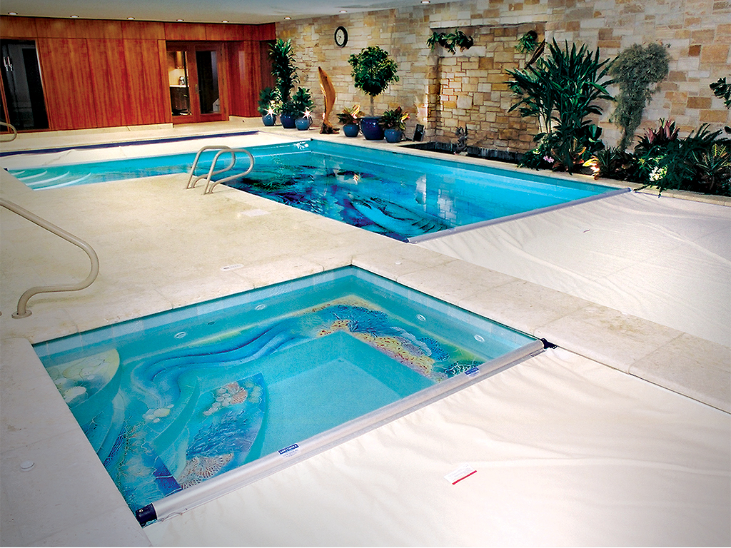 L-Shape Pool with Beige Cover